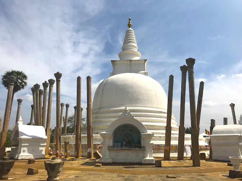 Thuparama Dagoba Anuradhapura Great places to see
