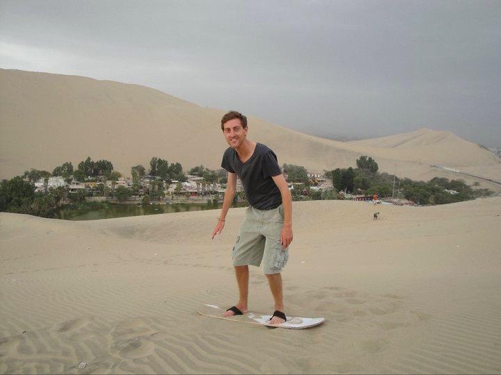 Sandboarden Huacachina