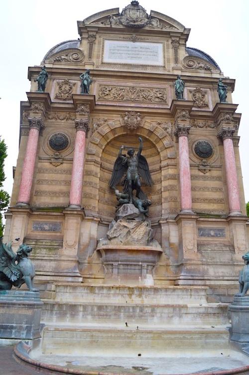 Fontaine St Michel Paris Ein Tag