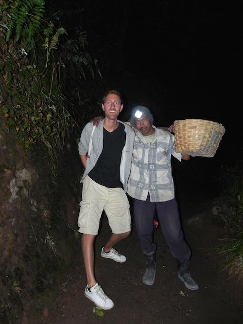 Eine Nacht auf dem Vulkan Kawah Ijen