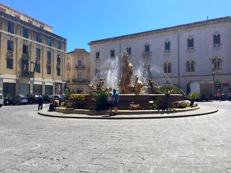 Piazza Archimede Syrakus Sizilien