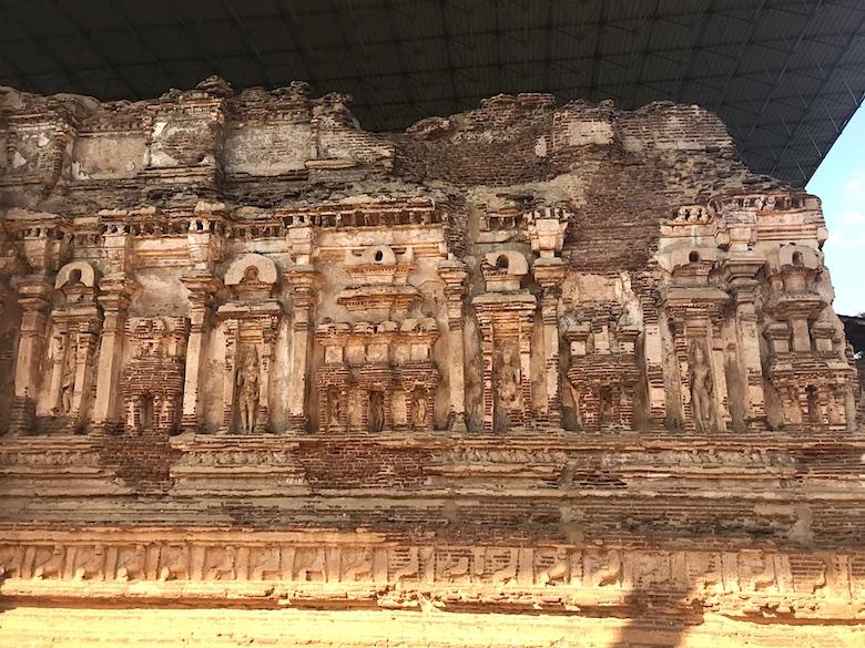 Thivanka Statuenhaus Polonnaruwa Sri Lanka