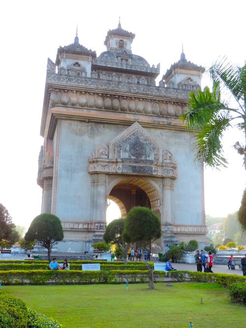 Patuxai Vientiane Sehenswürdigkeiten