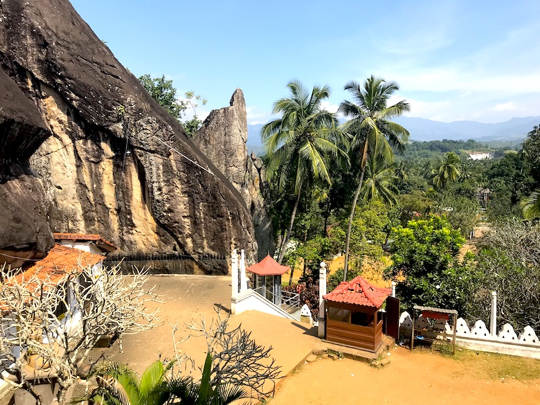 Felsenkloster Aluvihara 3 Wochen Sri Lanka Rundreise Highlights
