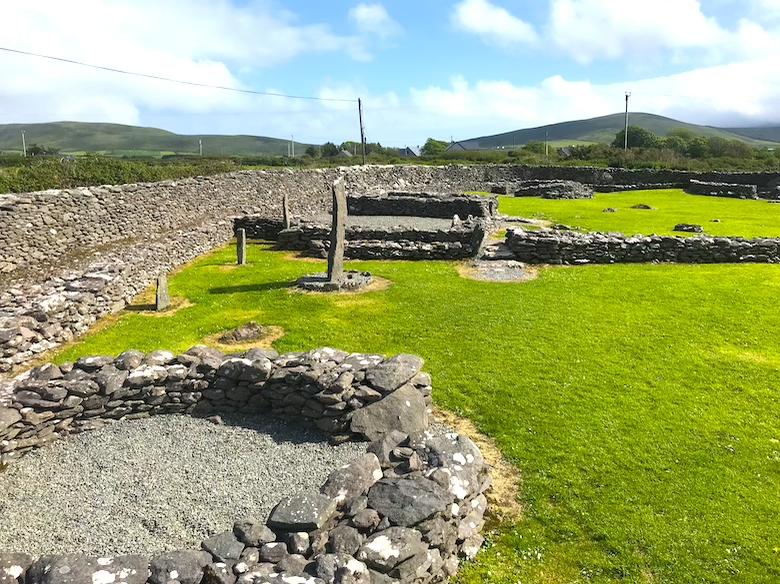 Reasl Monastic Site Slea Head Drive Top Things to See